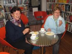 Greti und Adelheid wollten in Ruhe Kaffetrinken