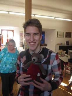 Adrian mit Bären-Mäderl