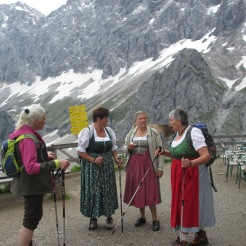 Theresia, Herta, Hilde, Anna Pernhofer