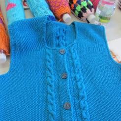 das blaue Jackerl von Anneliese ist fertig!