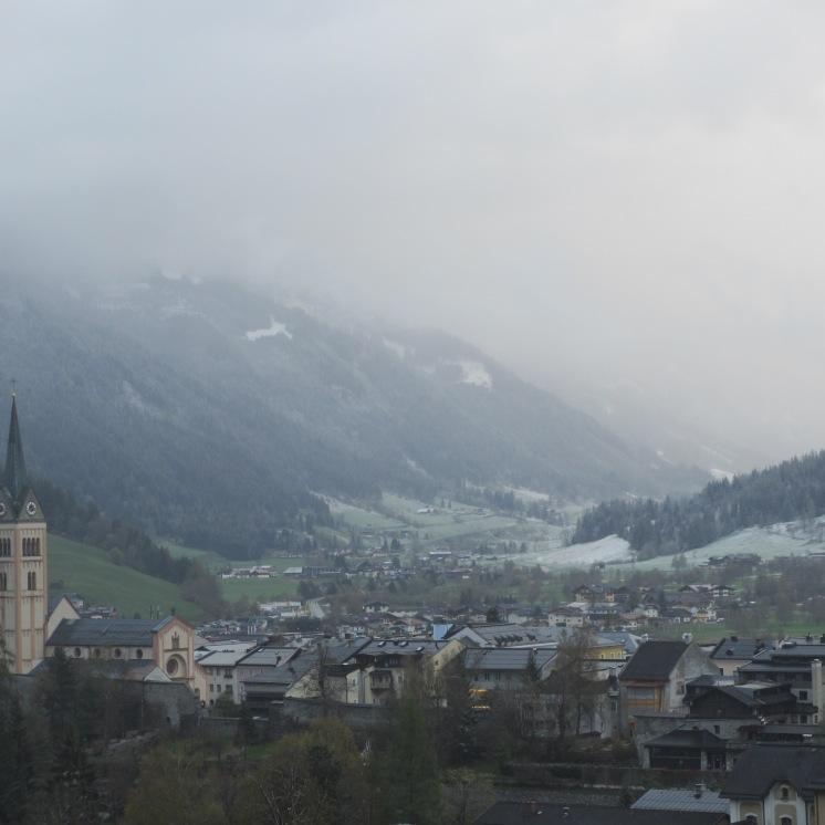Schneewolken über Radstadt