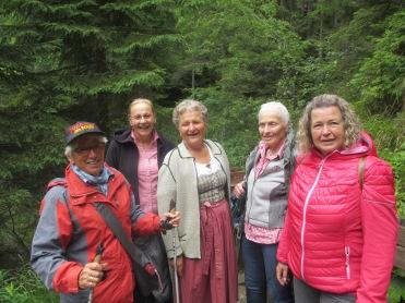 Theresia, Anneliese, Hilde, Theresia, Maria