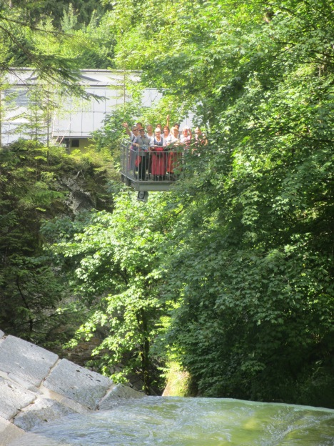 Hoch über der Talbachklamm am Aussichtsplateu