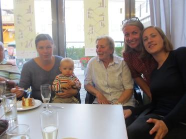 Familienfoto mit Andrea, Matthias, Rosi, Elisabeth und Clara