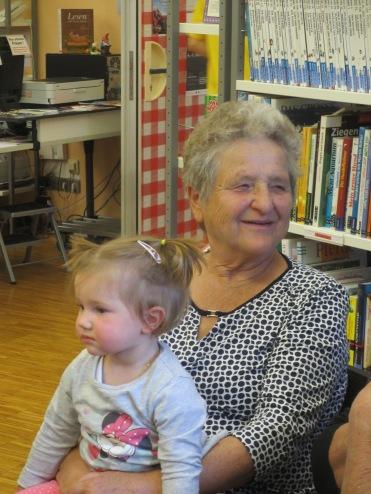 Hilda mit Enkelin Annabell