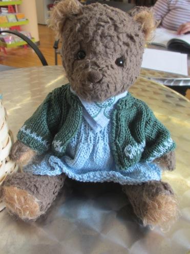 Annelieses hübsch gekleideter Bär
