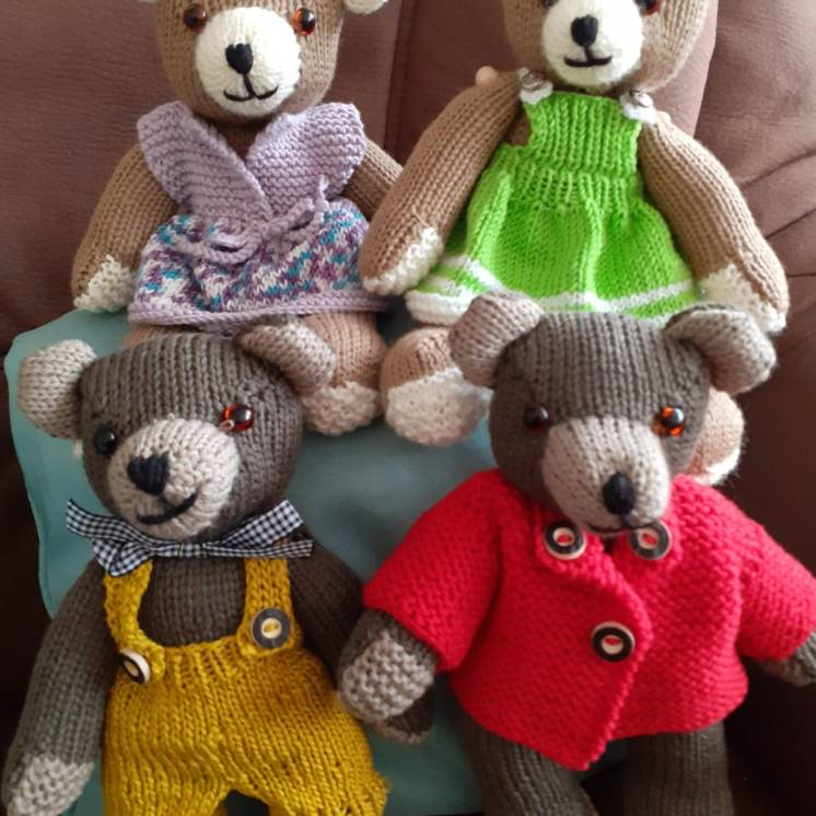 Bärenfamilie kurz vor der Abreise nach Amerika